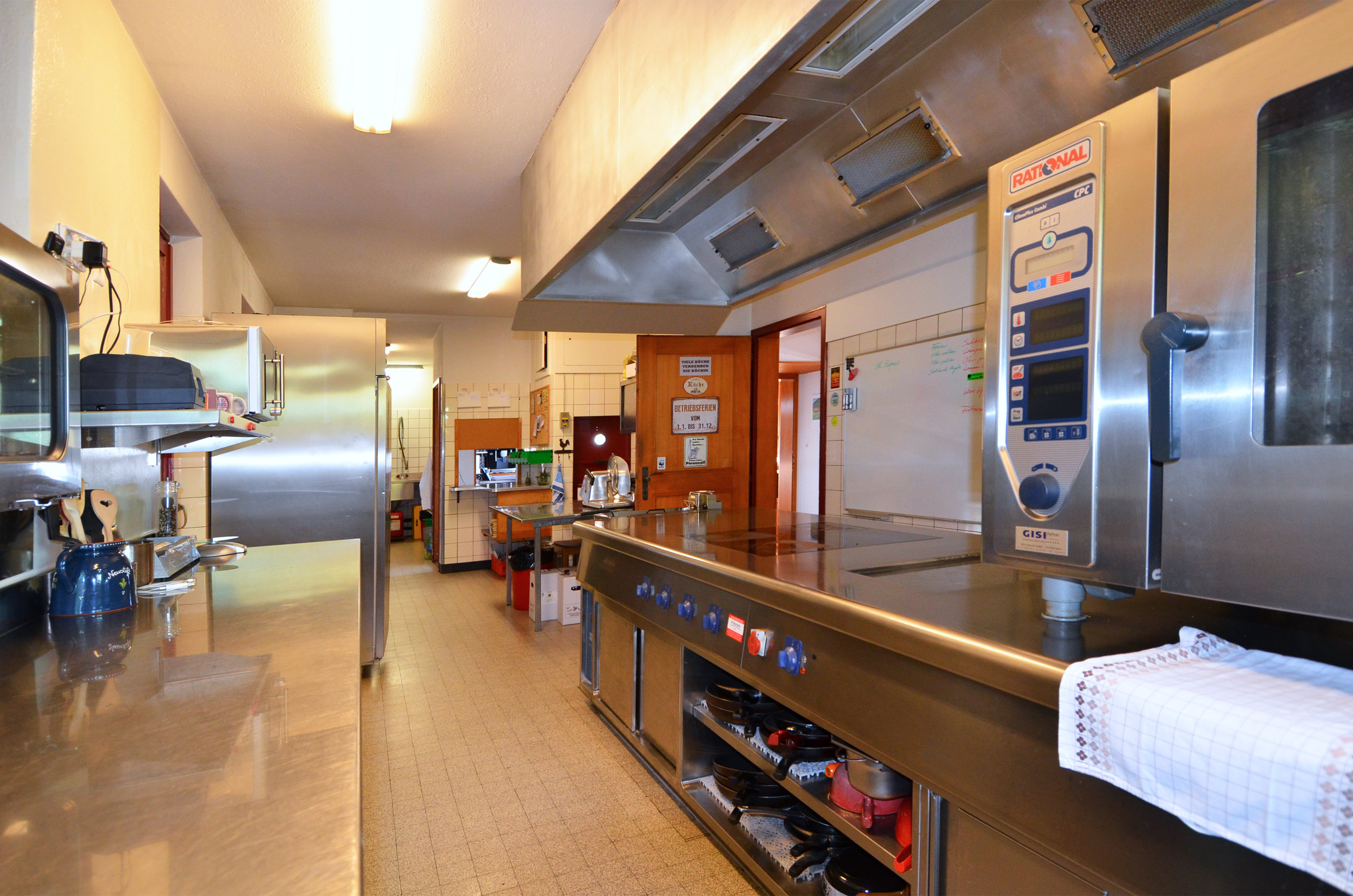 freistehendes 9-zi'- familienhaus / bergrestaurant, 4223 blauen