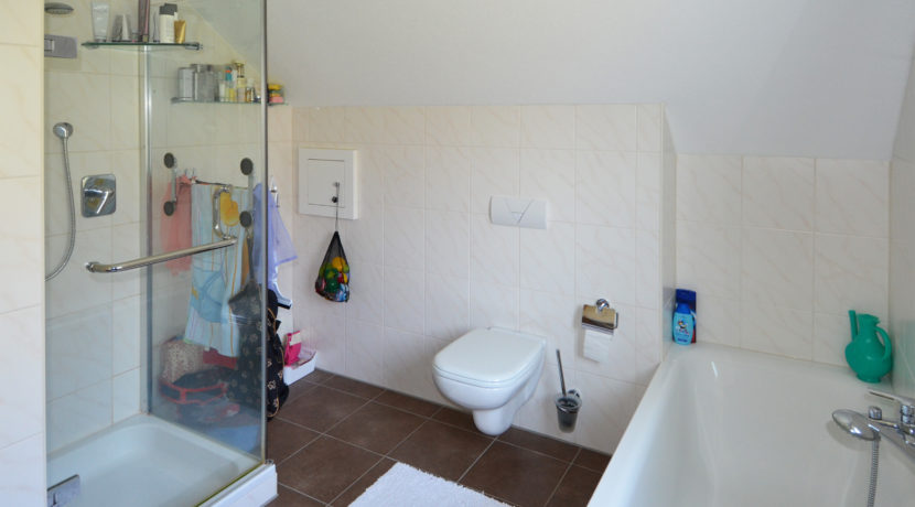 12 OG Badezimmer