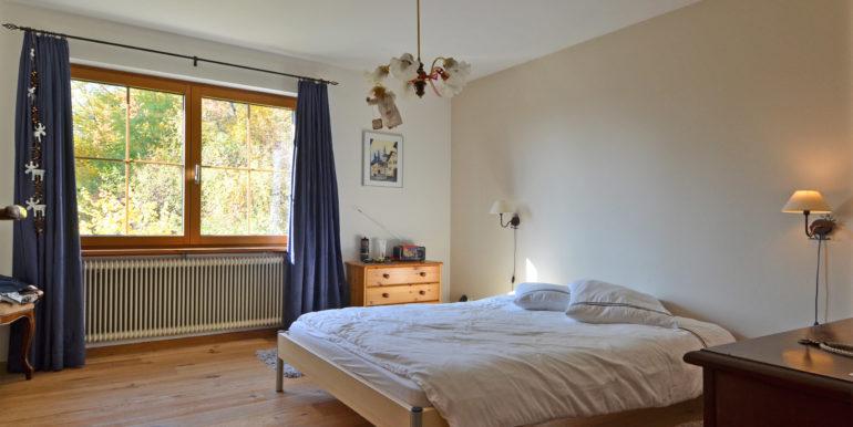 13 Wohnung Schlafzimmer