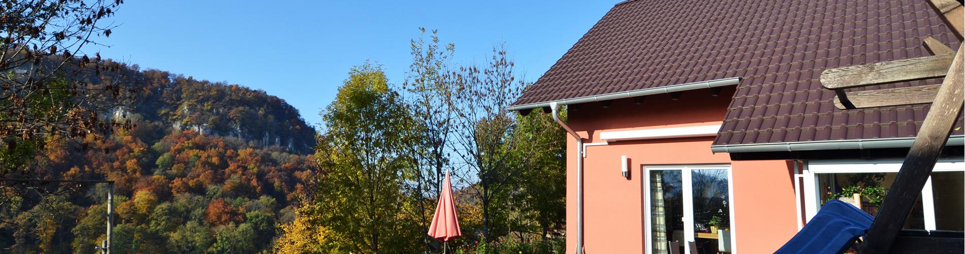 Freistehendes 4.5-Zi'-EFH mit schönem Garten und viel Aussicht in Duggingen