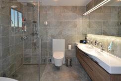 2 Badezimmer-3