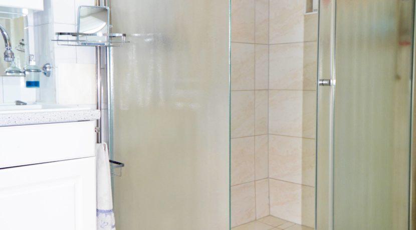 53 UG-Dusche