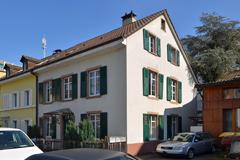 Mehrgenerationenhaus, Einfamilienhaus mit Einliegerwohnung in 4102 Binningen