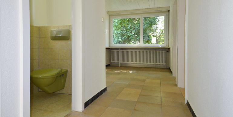 11-Arbeitsplatz-Gäste-WC