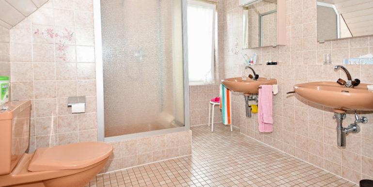 22 Dusche