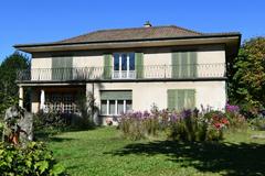7.5-Zi'-Landhaus auf 1231 m²-Parzelle in Binningen